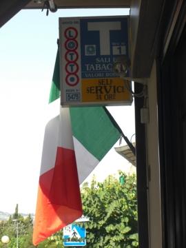 Tabaccheria in centro storico a Tavullia